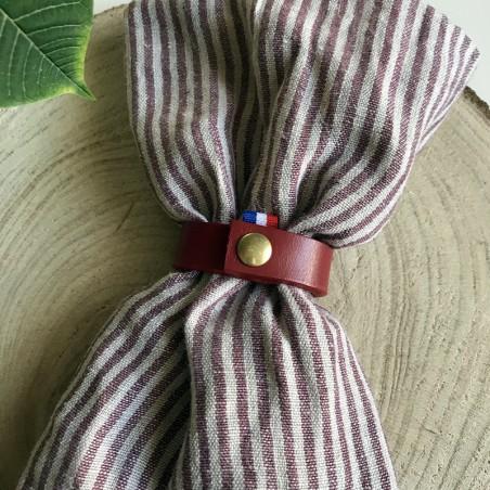 rond de serviette en cuir rouge fabrication artisanale